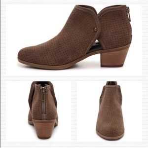 Adam Tucker New Leather Pinpoint Brown Booties